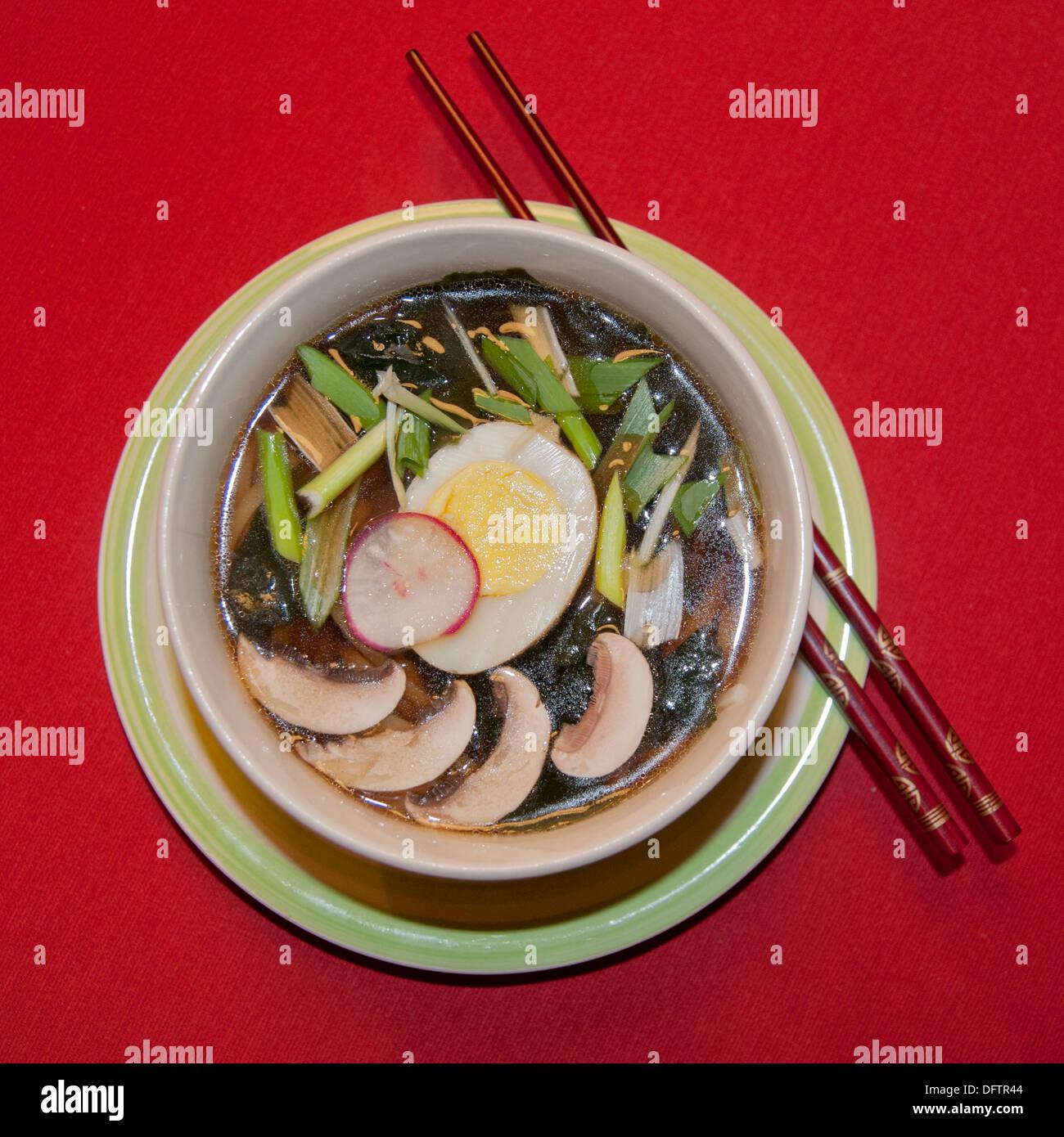 Poulet soupe ramen japonais Photo Stock