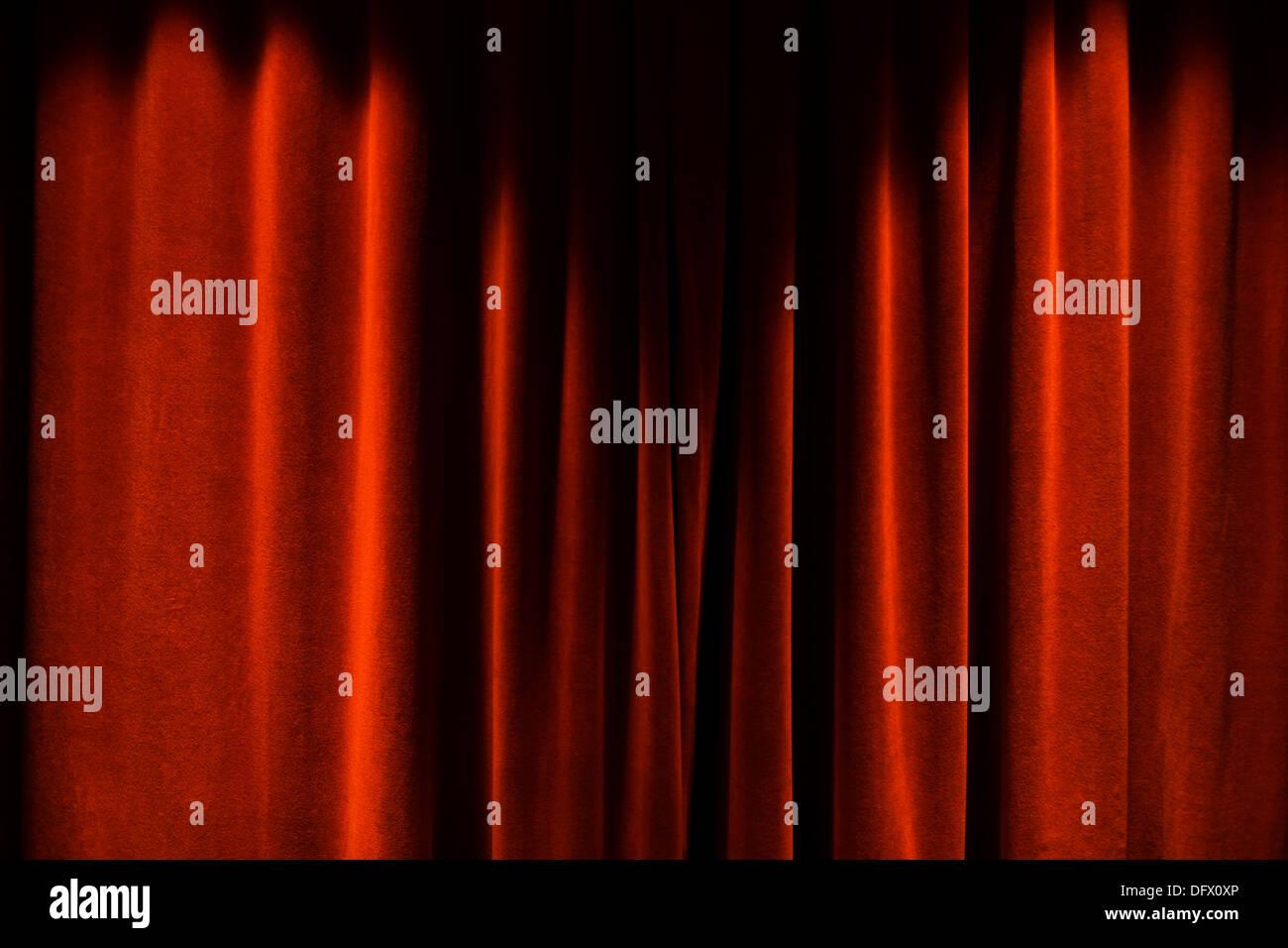 Des rideaux de scène rouge fermé Photo Stock