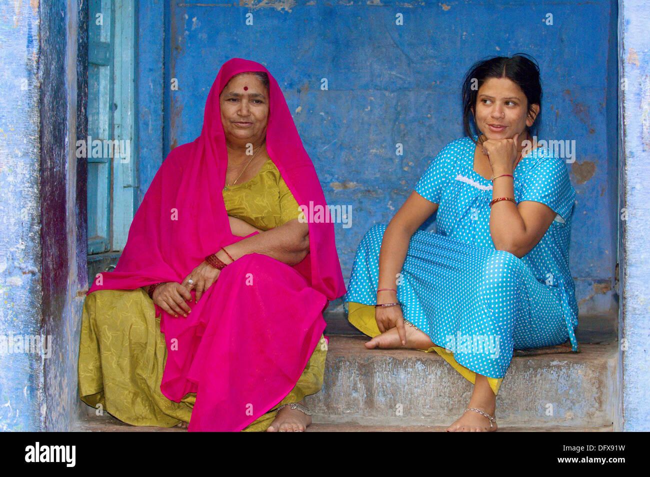 Les femmes, la Ville Bleue, Jodhpur, Rajasthan, India Banque D'Images