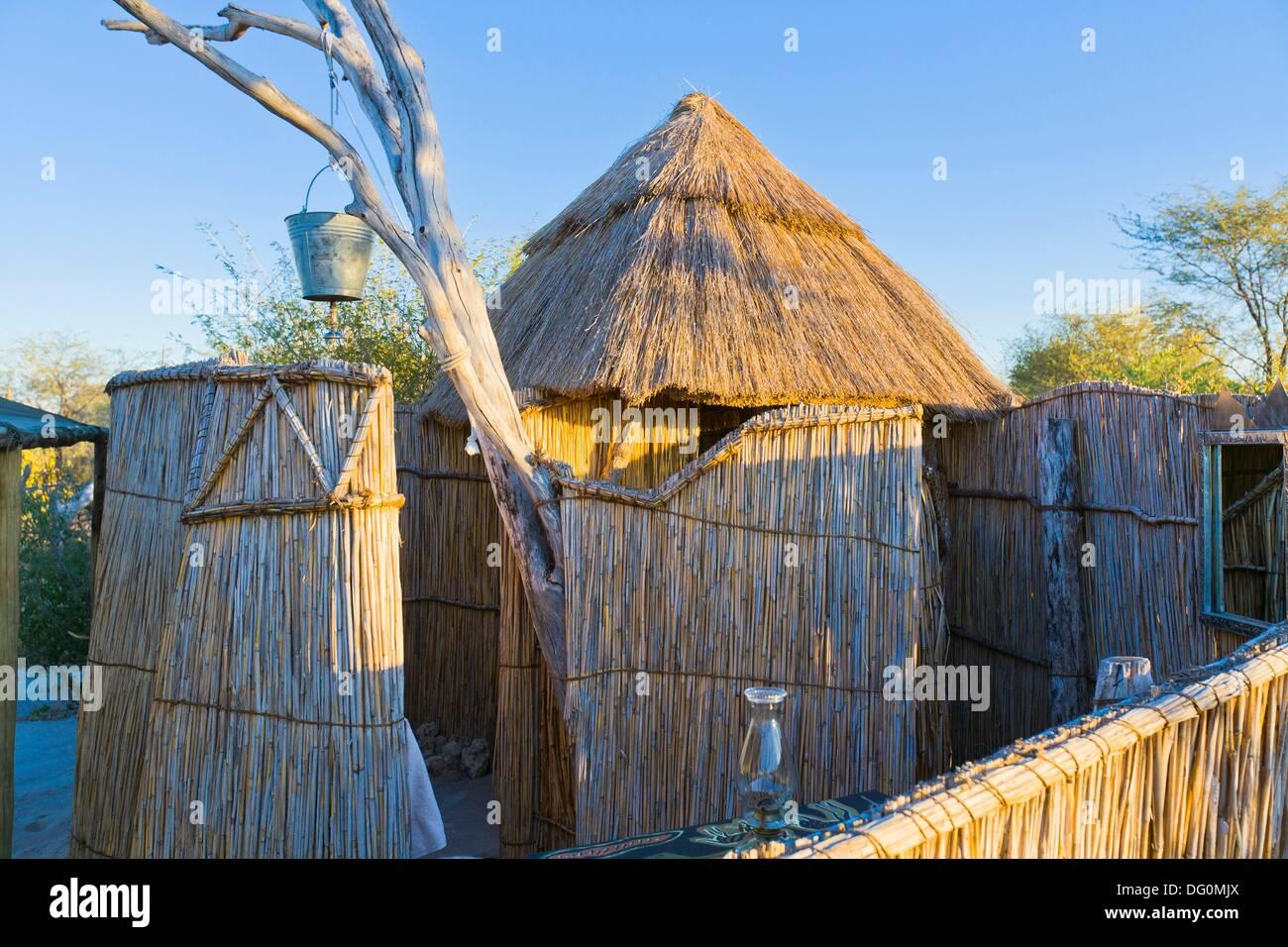Plante Salle De Bain Lumineuse ~ Salle De Bains Dans Un Camp Safari Africain Traditionnel Botswana