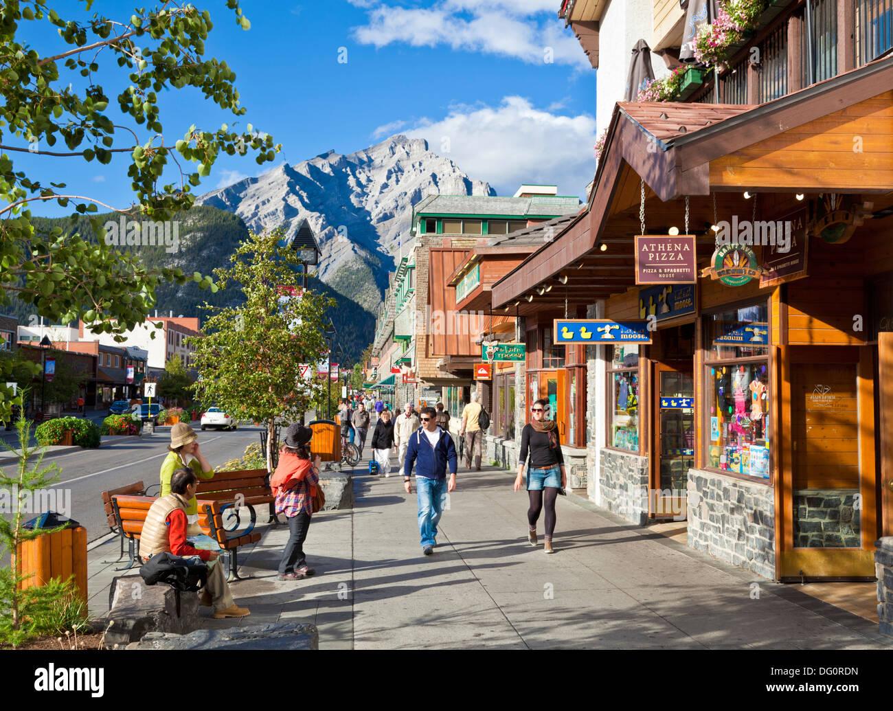 La ville de Banff et mont Cascade Banff National Park Alberta Canada Amérique du Nord Photo Stock