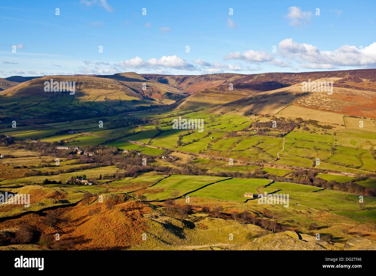 Une vue sur le paysage de la vallée de l'espoir Peak District UK Banque D'Images