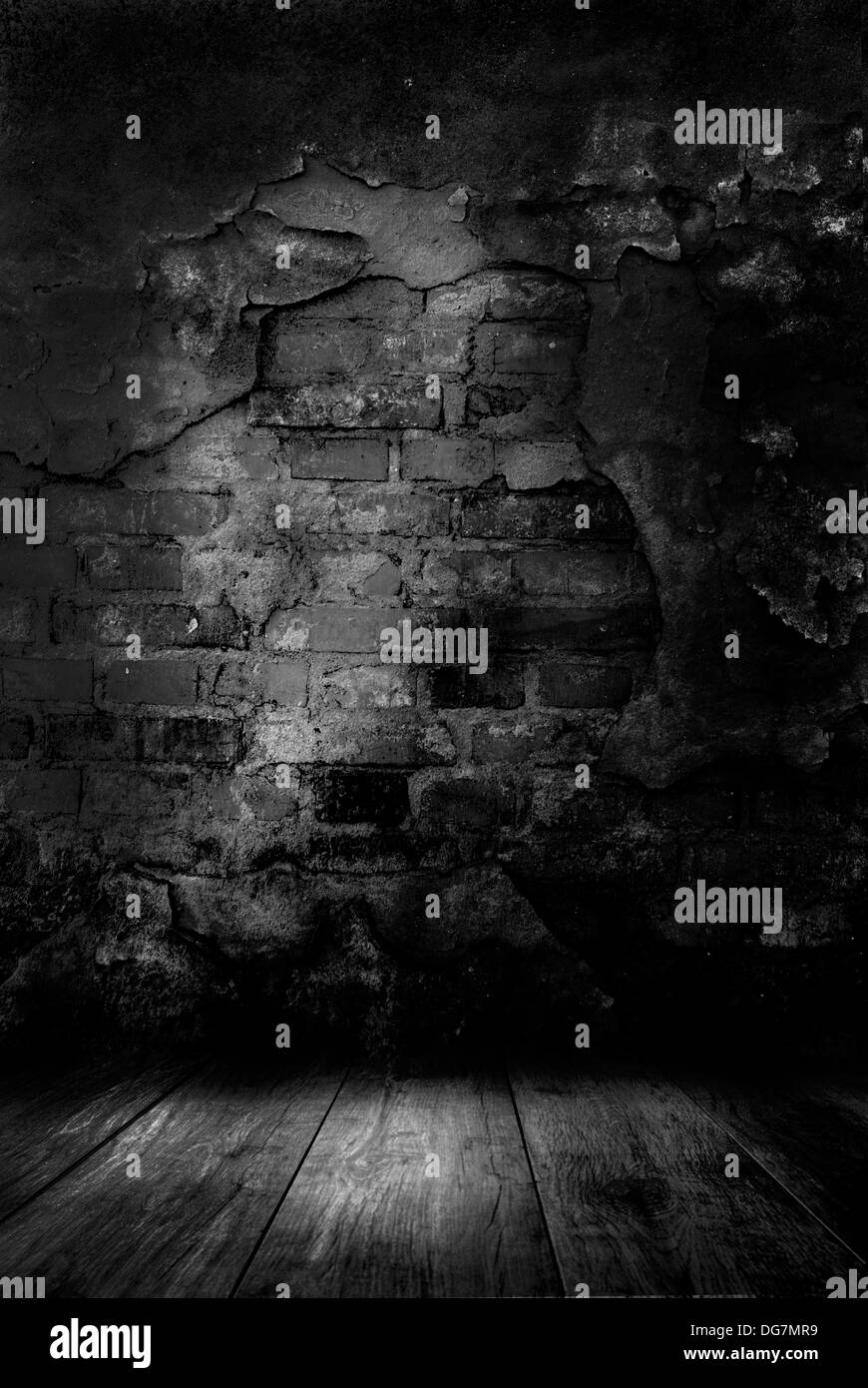 chambre sombre mystérieux mur détruit banque d'images, photo stock