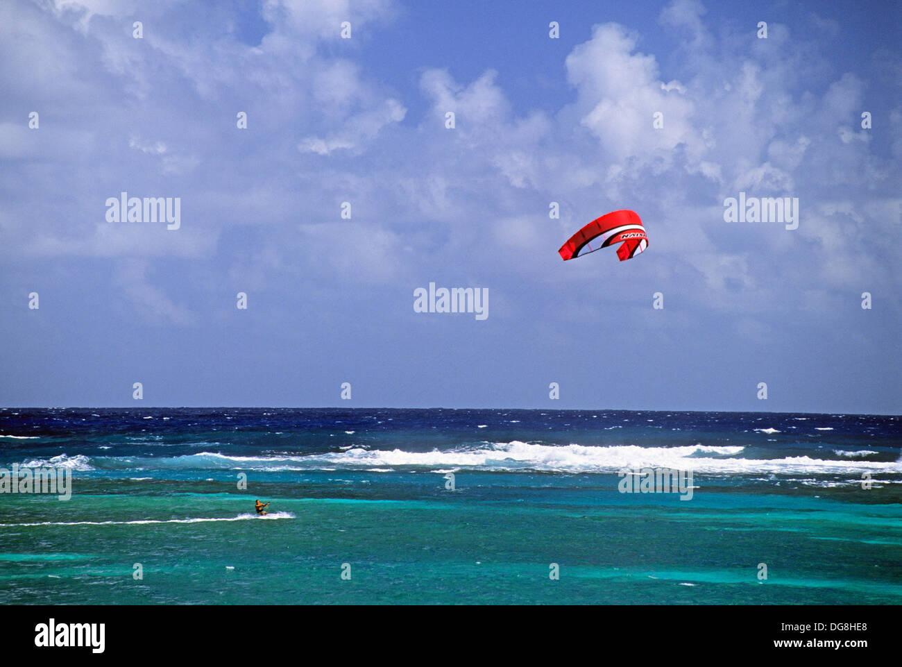 Kitesurf Ile de la Martinique Département et Région d'Outremer francais Archipel des Antilles Caraibes//kitesurf Martinique Photo Stock