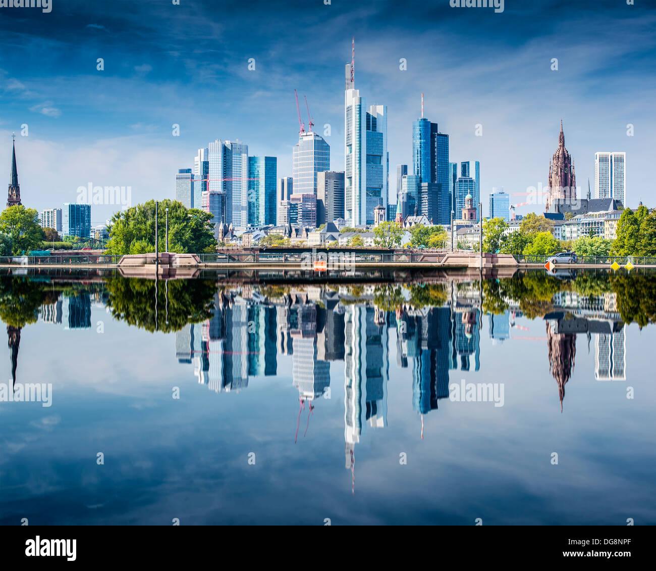 L'horizon de Francfort, Allemagne, le centre financier du pays. Photo Stock