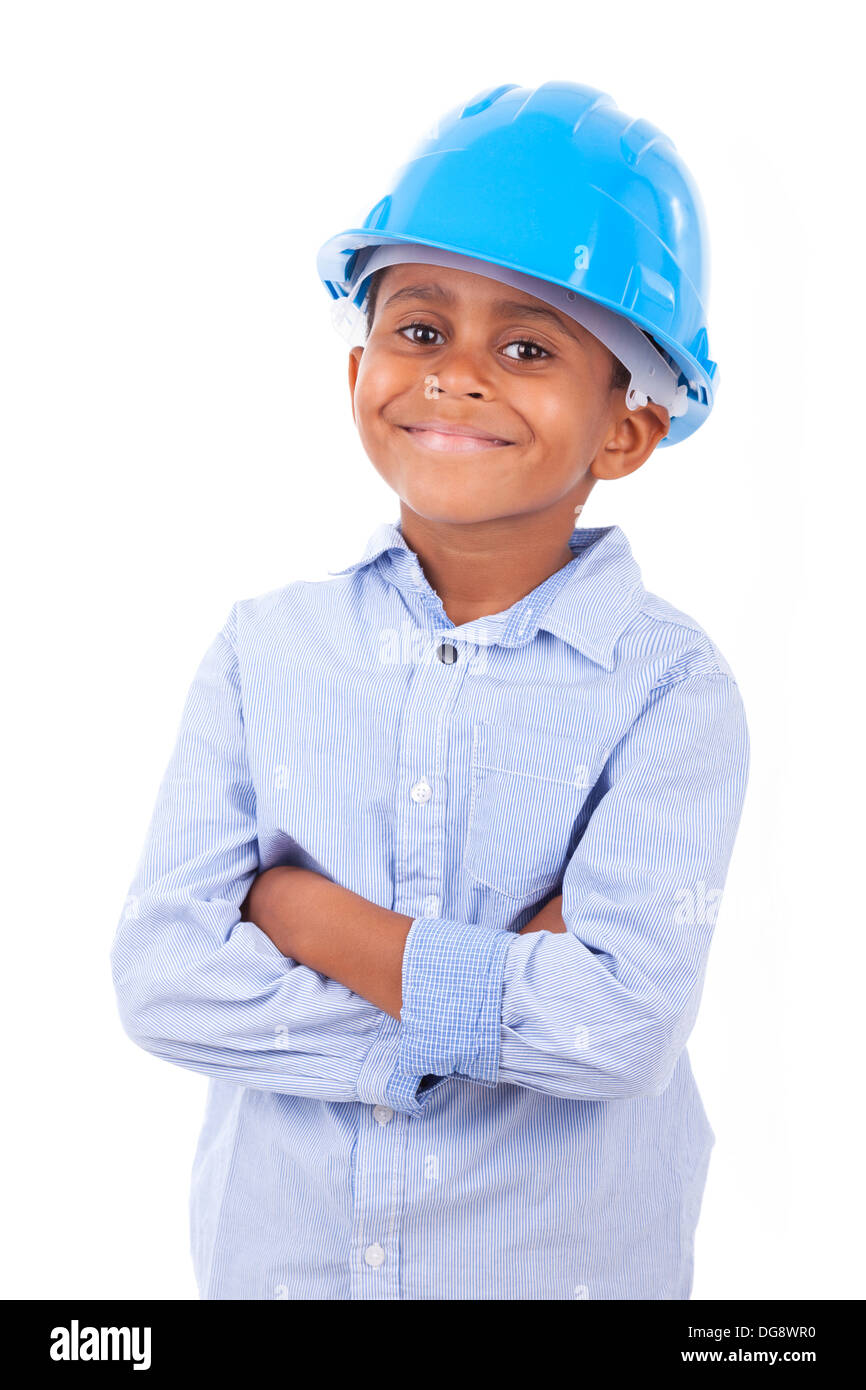 African American petit garçon portant un chapeau de protection, isolé sur fond blanc - les noirs Banque D'Images