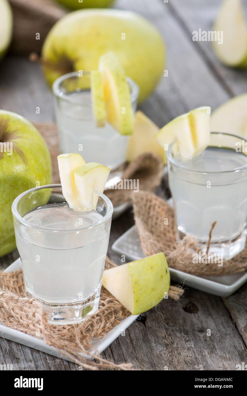 Coups de liqueur sur Apple vintage background Photo Stock