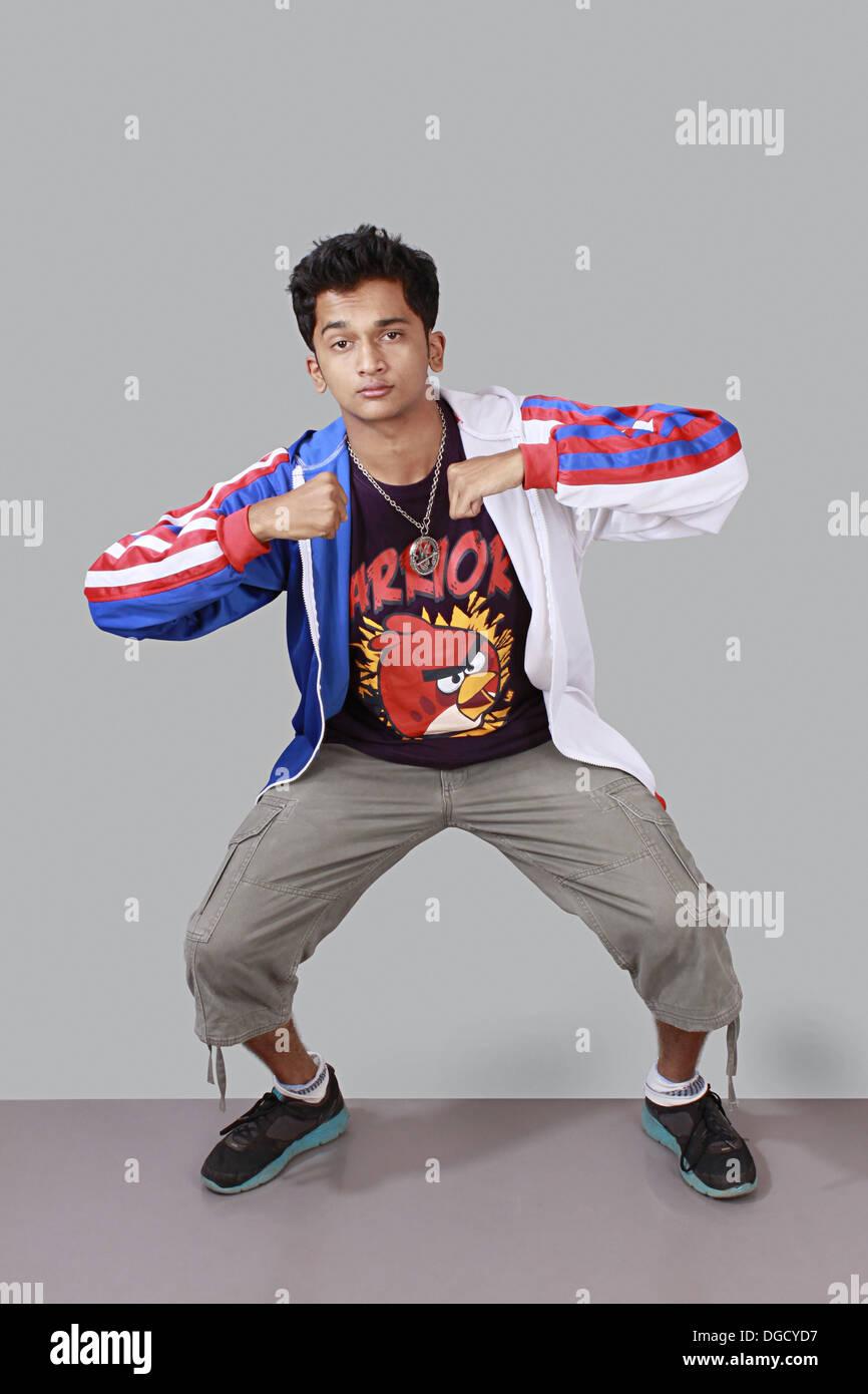 Adolescent, garçon faisant la danse hip-hop, street dancer Banque D'Images