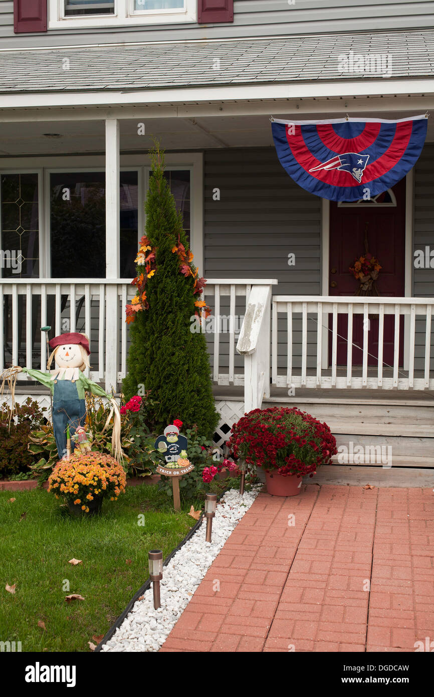 Halloween Decorations New England Photos & Halloween Decorations New ...