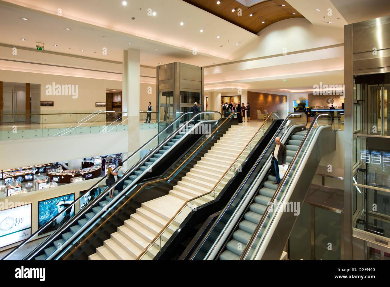 Le Qatar, EMIRATS ARABES UNIS. L'aéroport de Doha, Classe Affaires Premium réception Terminal Banque D'Images