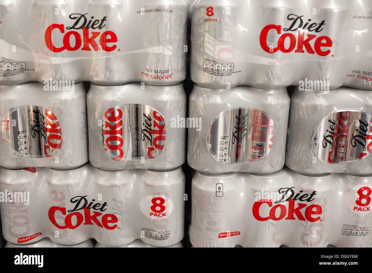 Conditionnement multiple canettes de Coke diète Photo Stock