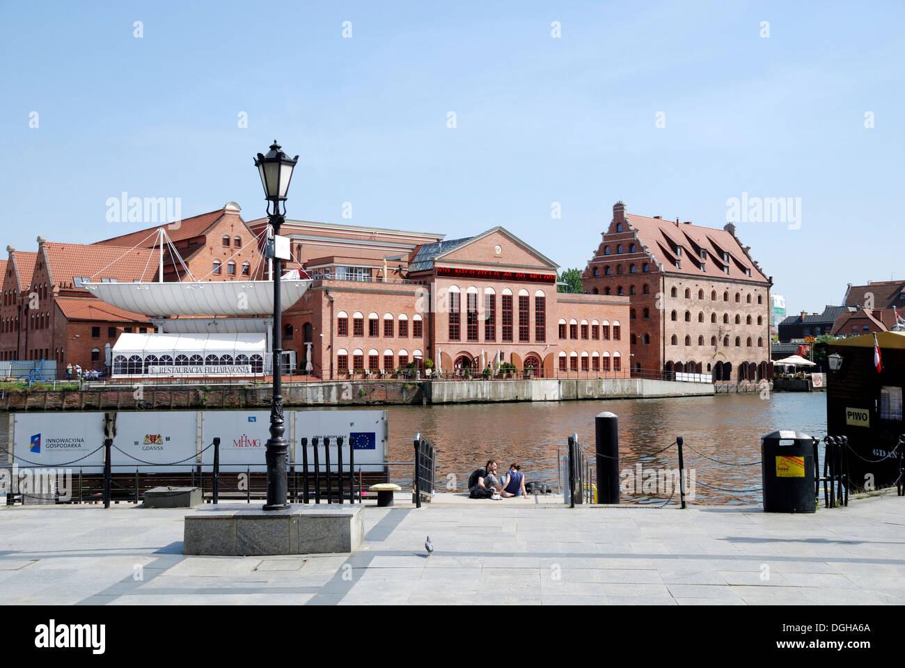 Orchestre Philharmonique Baltique polonaise sur la région de Motlawa Gdansk - Polska Filharmonia Baltycka. Banque D'Images