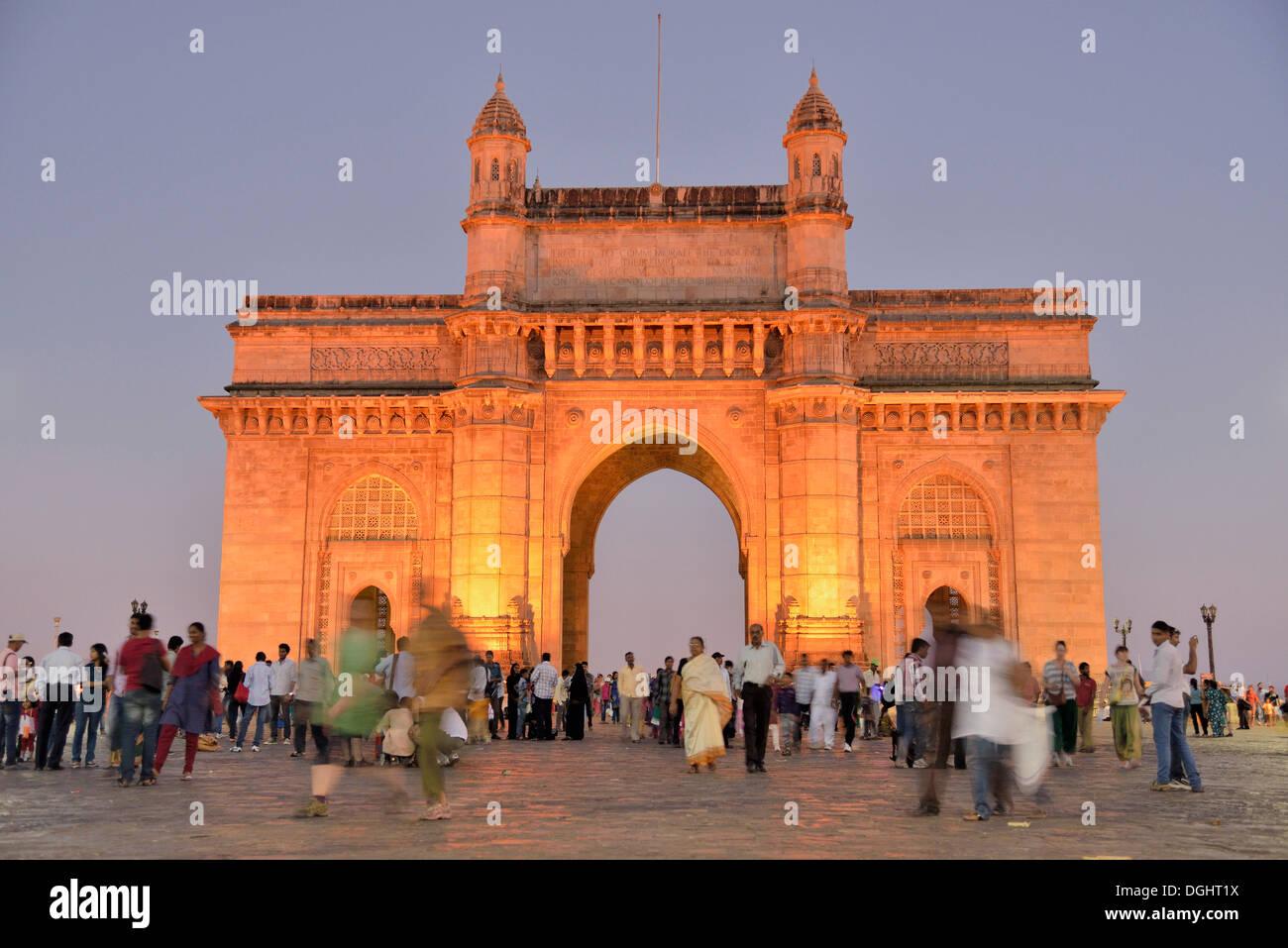 Porte de l'Inde, monument emblématique de New Delhi, Mumbai, Maharashtra, Inde Photo Stock