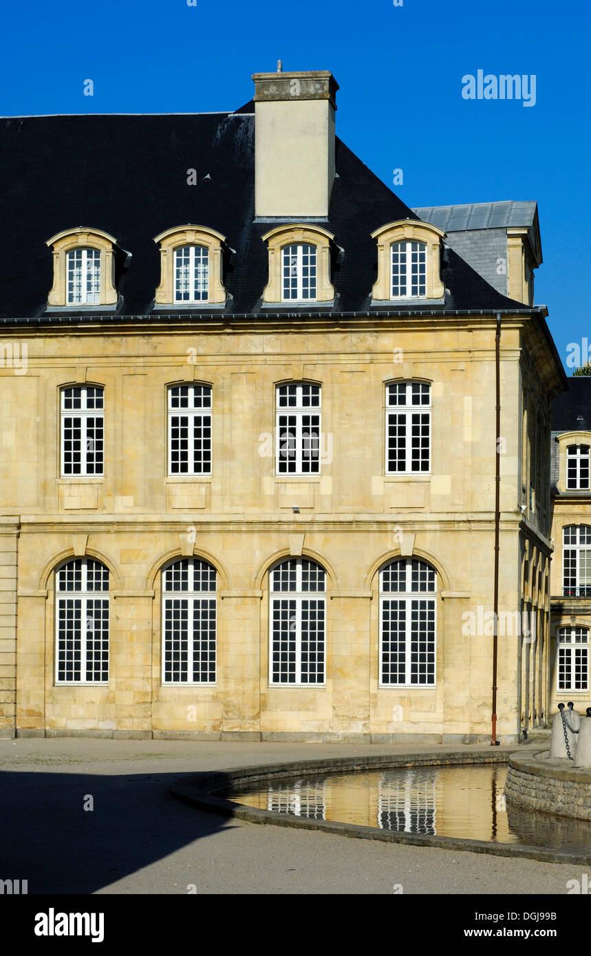 Aile nord du cloître, L'Abbaye aux Dames, Abbaye de femmes, Caen, Basse-Normandie, France, Europe Photo Stock