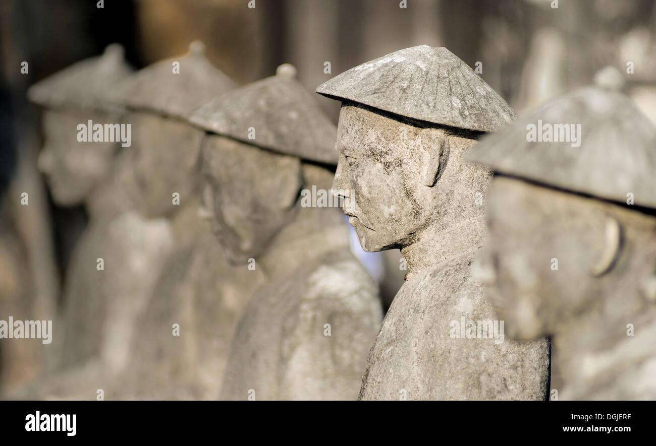 Les chiffres d'un tuteur, d'un mausolée de l'Empereur Khai Dinh, à Hue, Vietnam, Asie Photo Stock