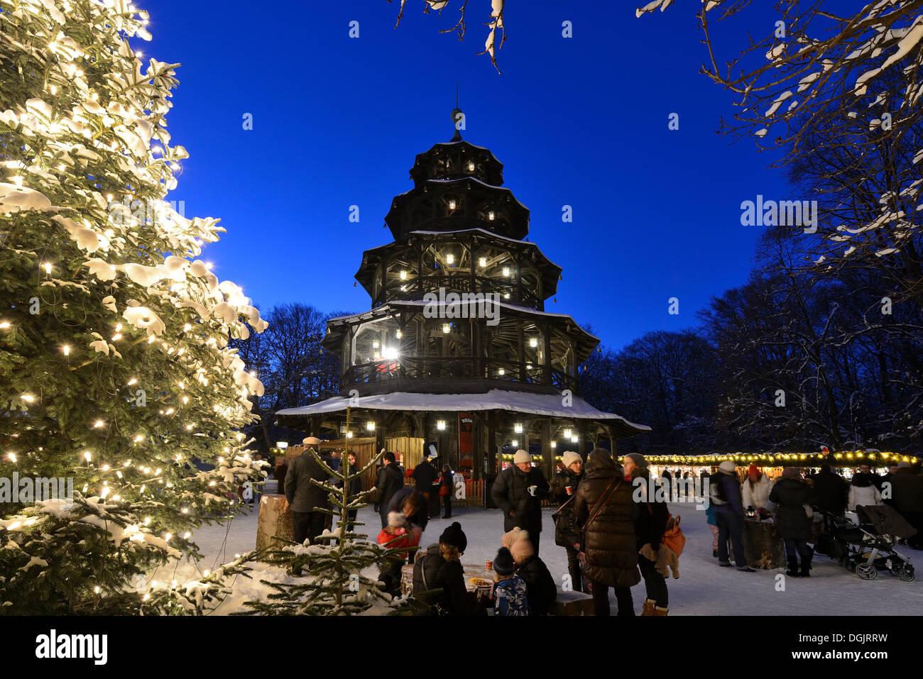 Marché de Noël à la Tour Chinoise, jardins anglais, München, Munich, Haute-Bavière, Bavière, Allemagne Banque D'Images
