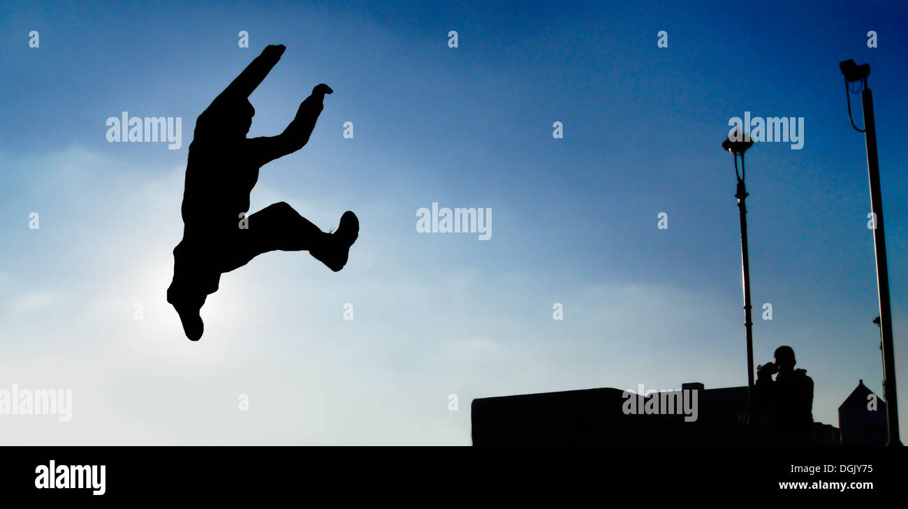 Photo d'action d'un freerunner. Photo Stock