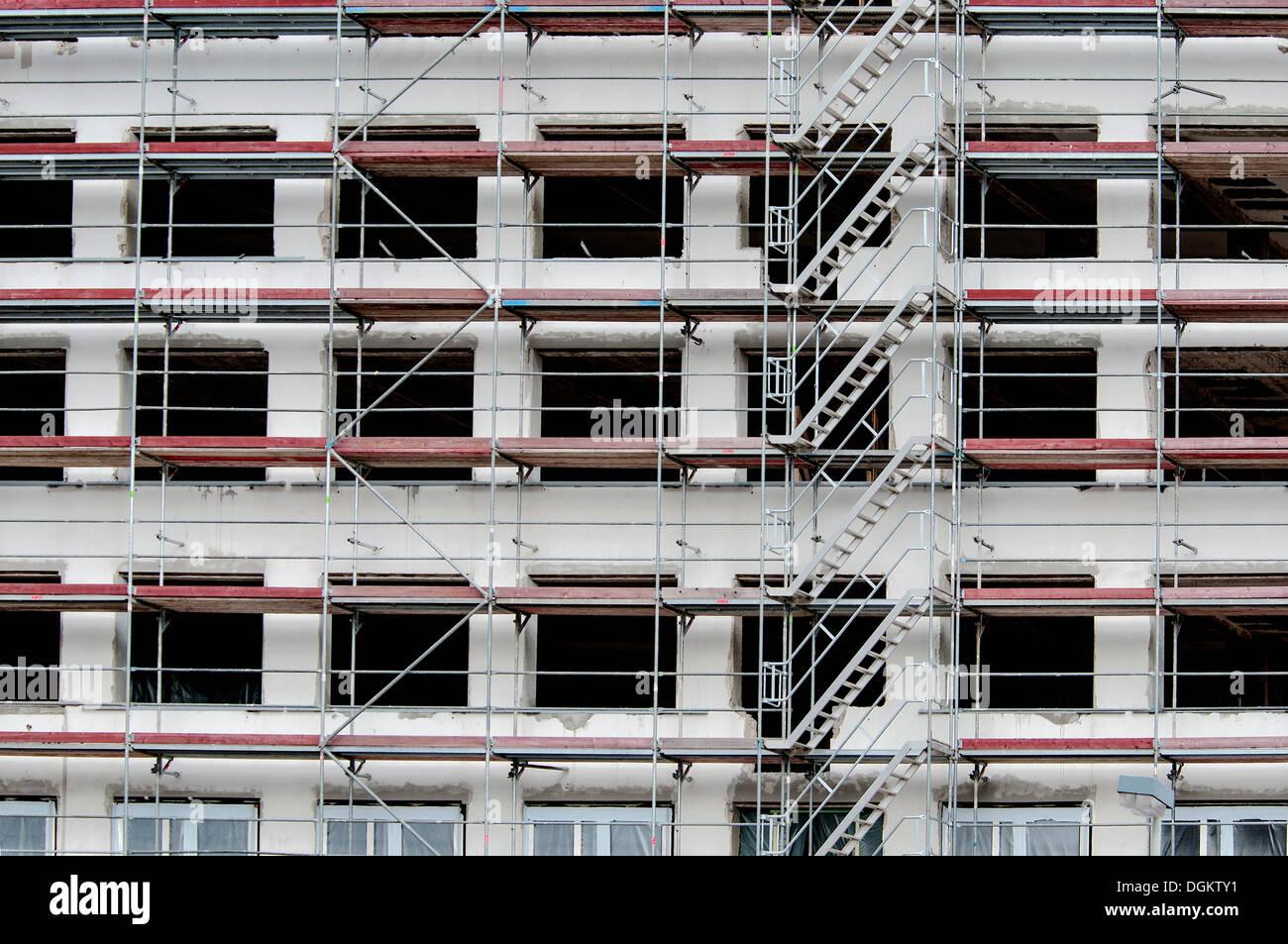 Construction commerciale, avec des escaliers, shell échafaudée Bonn, Rhénanie du Nord-Westphalie, PublicGround Photo Stock