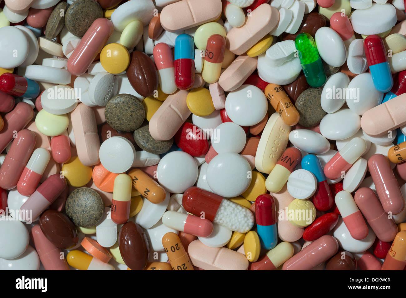 Couleur mixte comprimés, gélules, comprimés et enrobés, Allemagne Photo Stock
