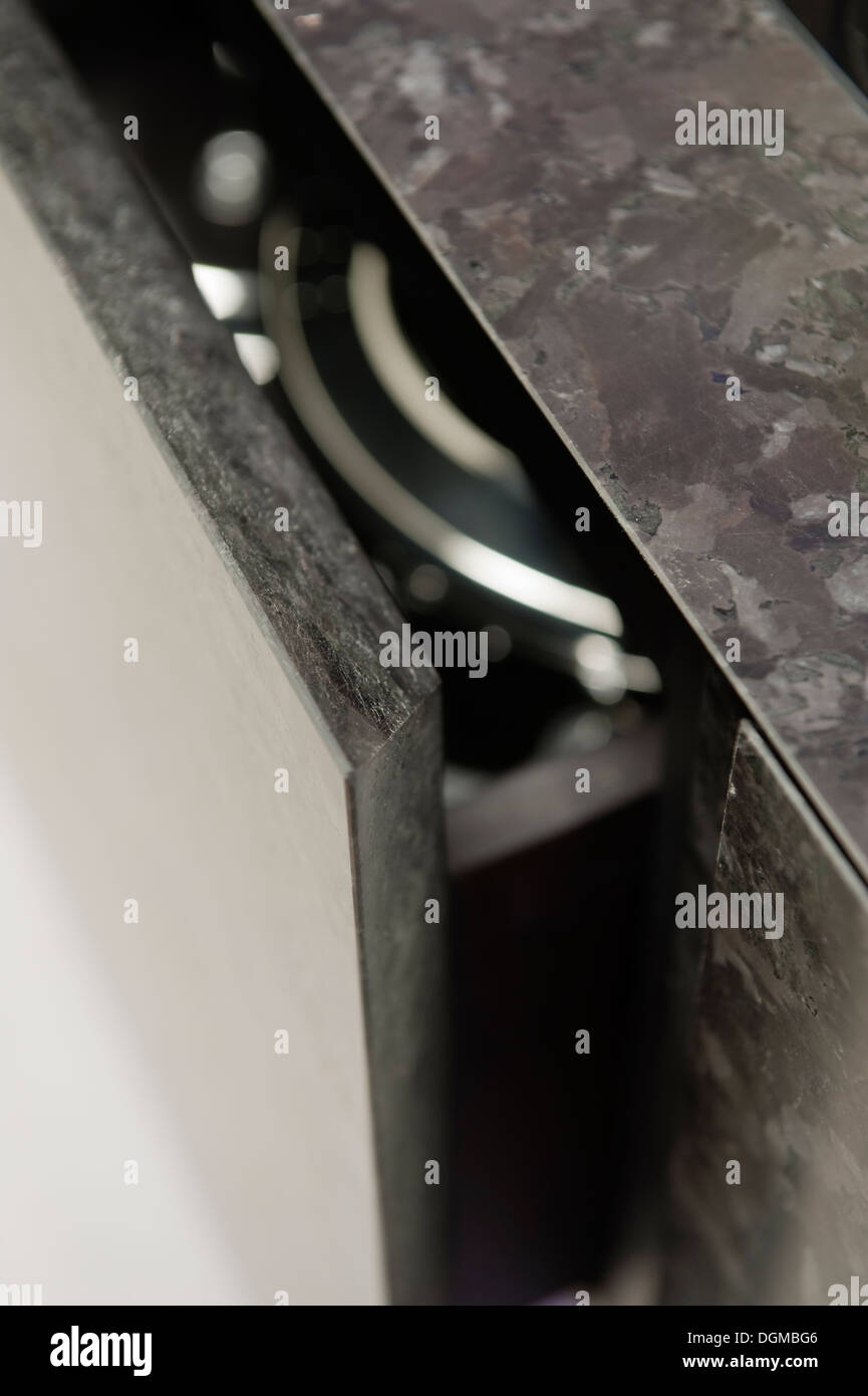 Tirer sur le tiroir en tsunami noir cuisine pour Minotti Photo Stock