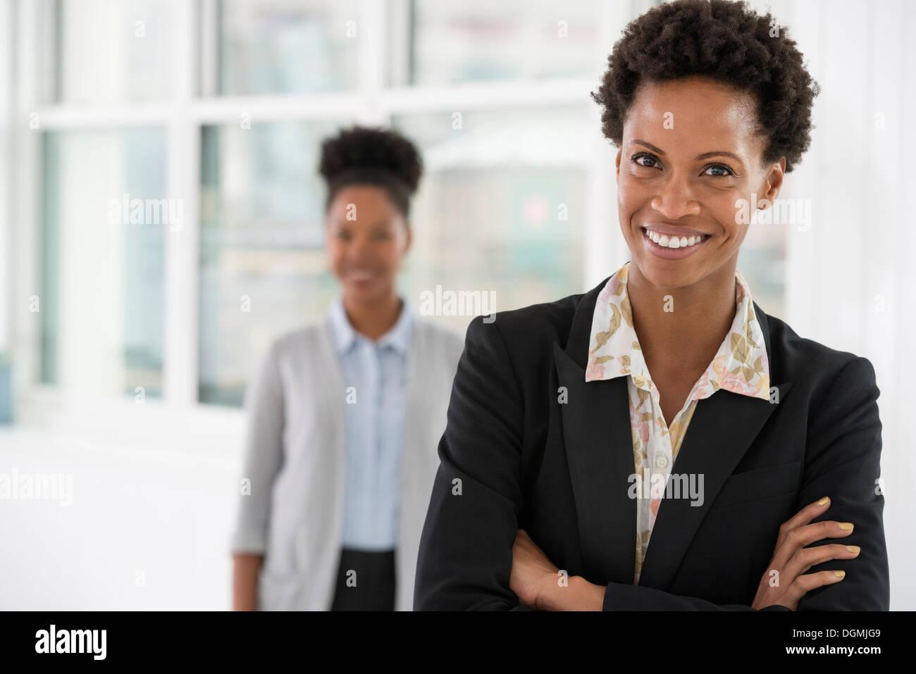 Les gens d'affaires. Deux femmes. Photo Stock
