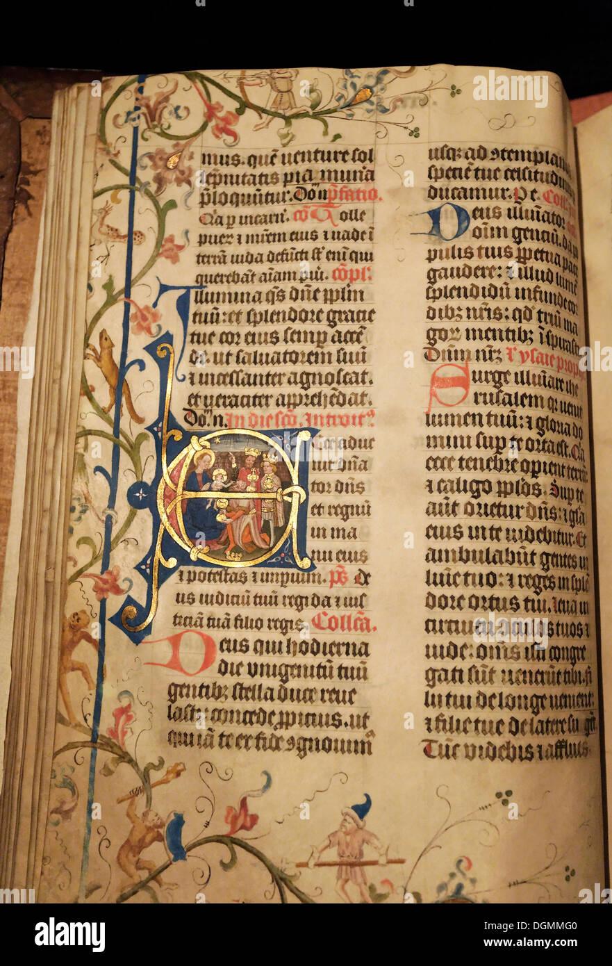 Missel manuscrit avec illuminations artistique initiale, avec les trois mages, illumination, Stiftsmuseum monastère Musée Xanten Photo Stock