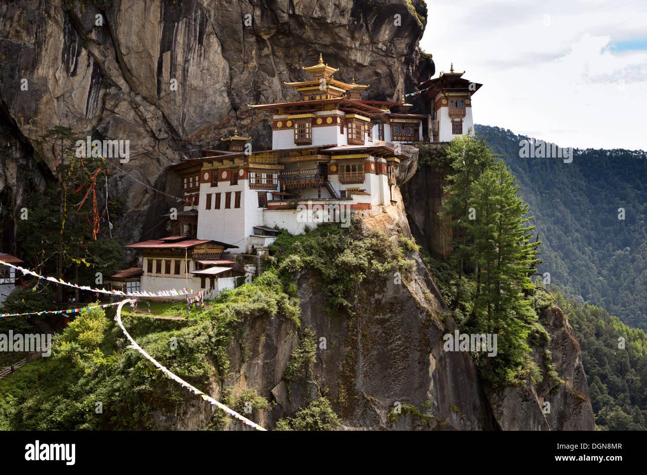 La vallée de Paro, Bhoutan, Taktsang Lhakang (Tiger's Nest) monastère accroché à la falaise Banque D'Images