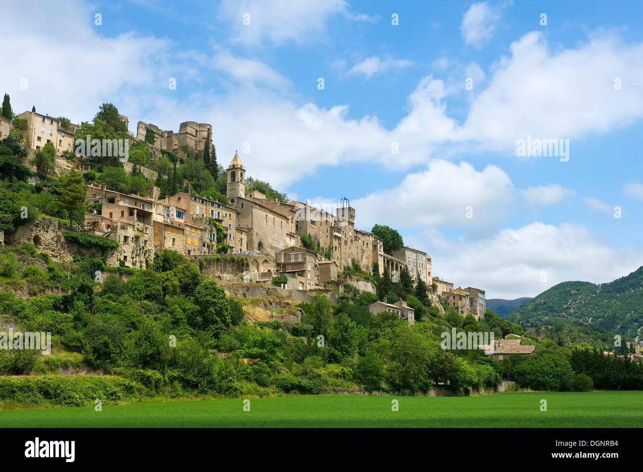 Village, Montbrun les Bains, Provence, région Provence-Alpes-Côte d'Azur, France Photo Stock