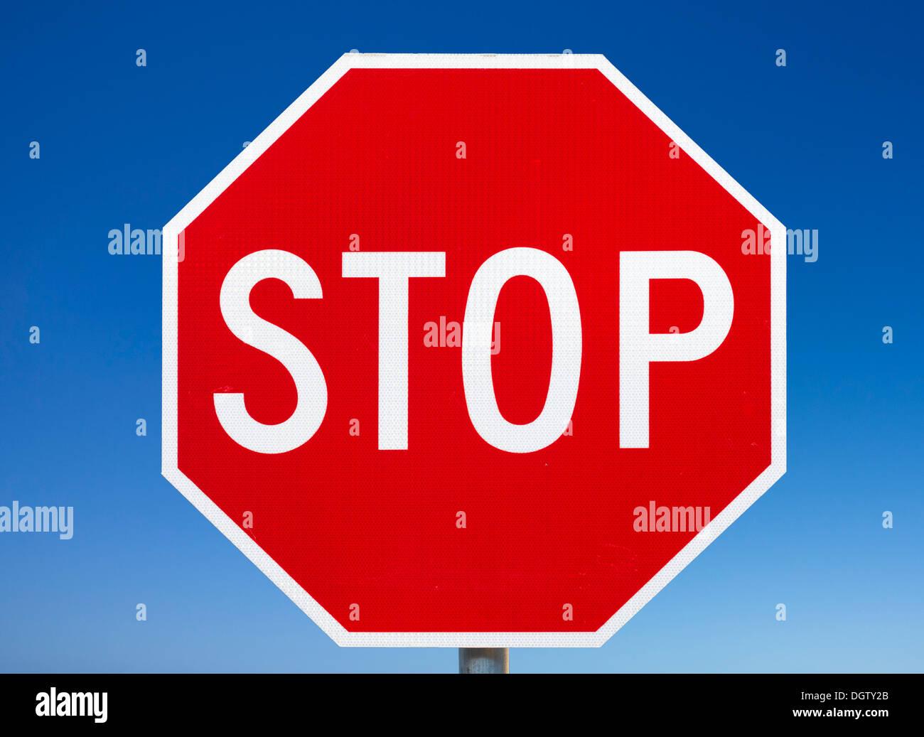 Panneau d'arrêt, é.-u. Photo Stock