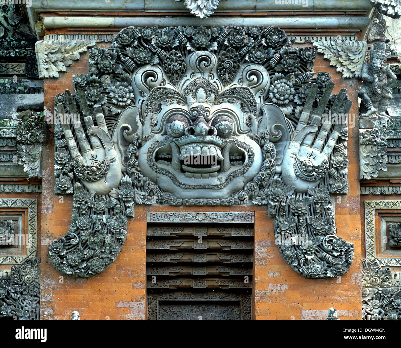 Barong, roi de la bonne humeur, la mythologie, l'entrée du temple balinais, Ubud, Bali, l'Asie, l'Indonésie Photo Stock