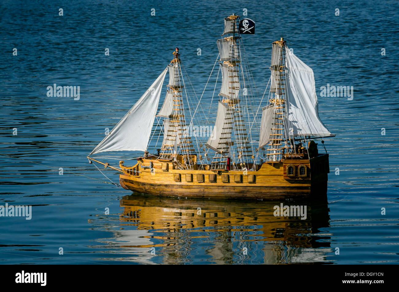Modle Lchelle Dun Tri Mts Gr En Carr Voilier Galion Lac Espagnol Flottant Sur Le Dora