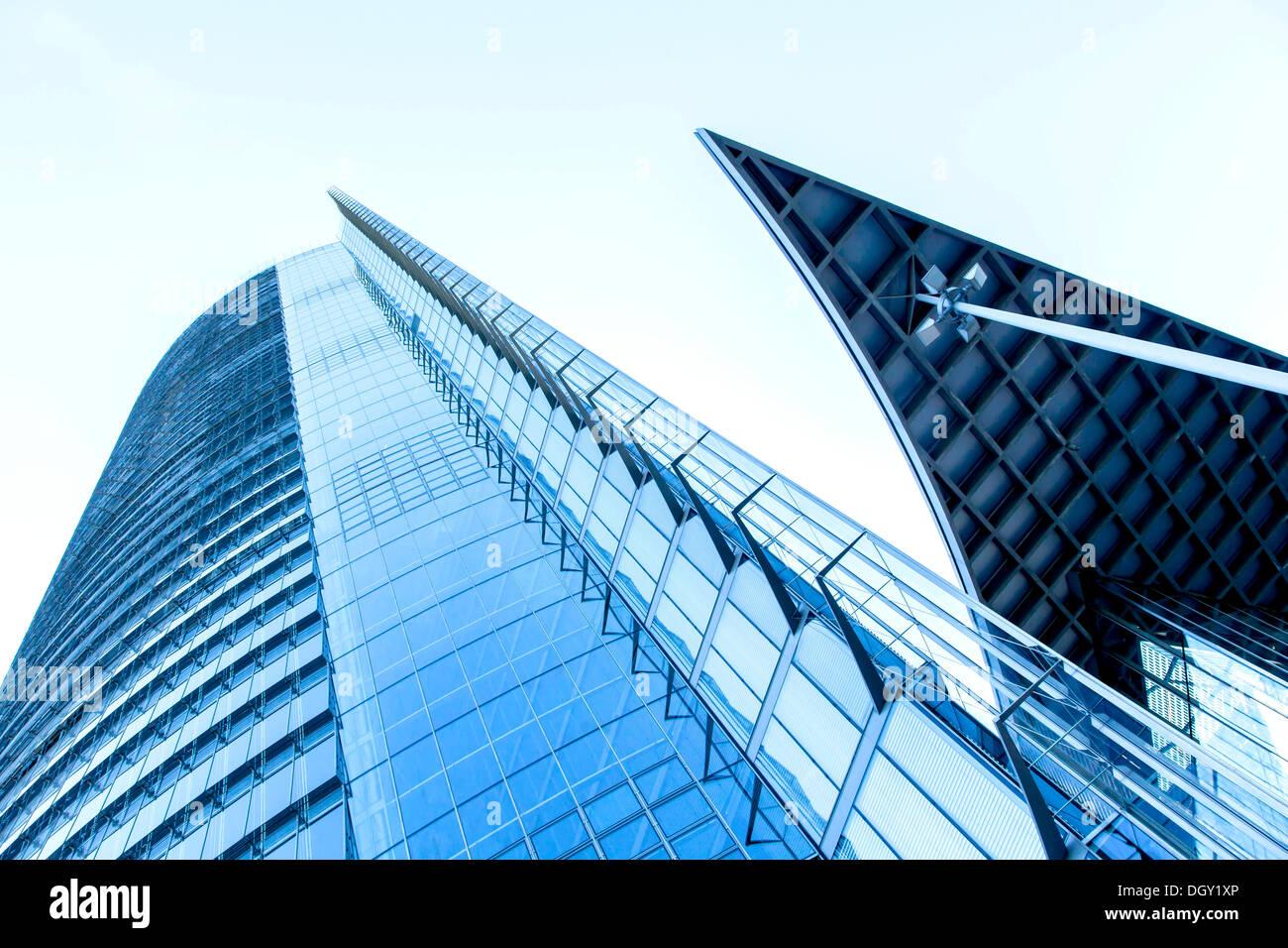 La façade en verre de la Post Tower, siège de Deutsche Post AG, DHL et Postbank, Bonn, Rhénanie-du-Nord - Westphalie, Banque D'Images