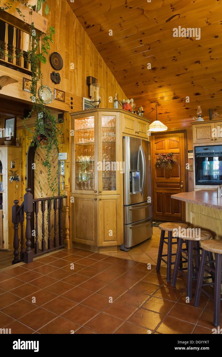 cuisine quip e l 39 int rieur d 39 une maison ossature bois qu bec canada banque d 39 images