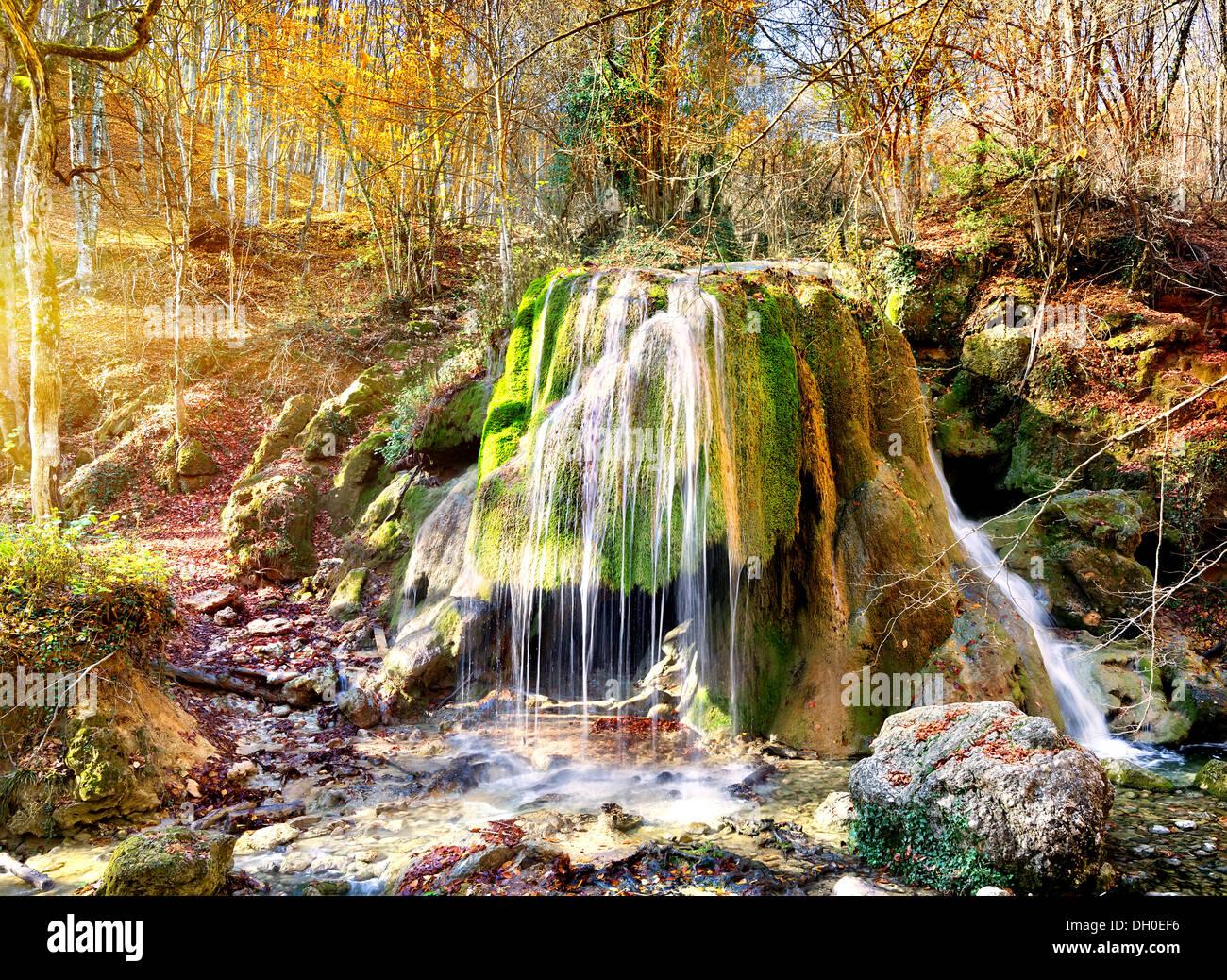 Chute d'automne dans les montagnes de la Crimée Photo Stock