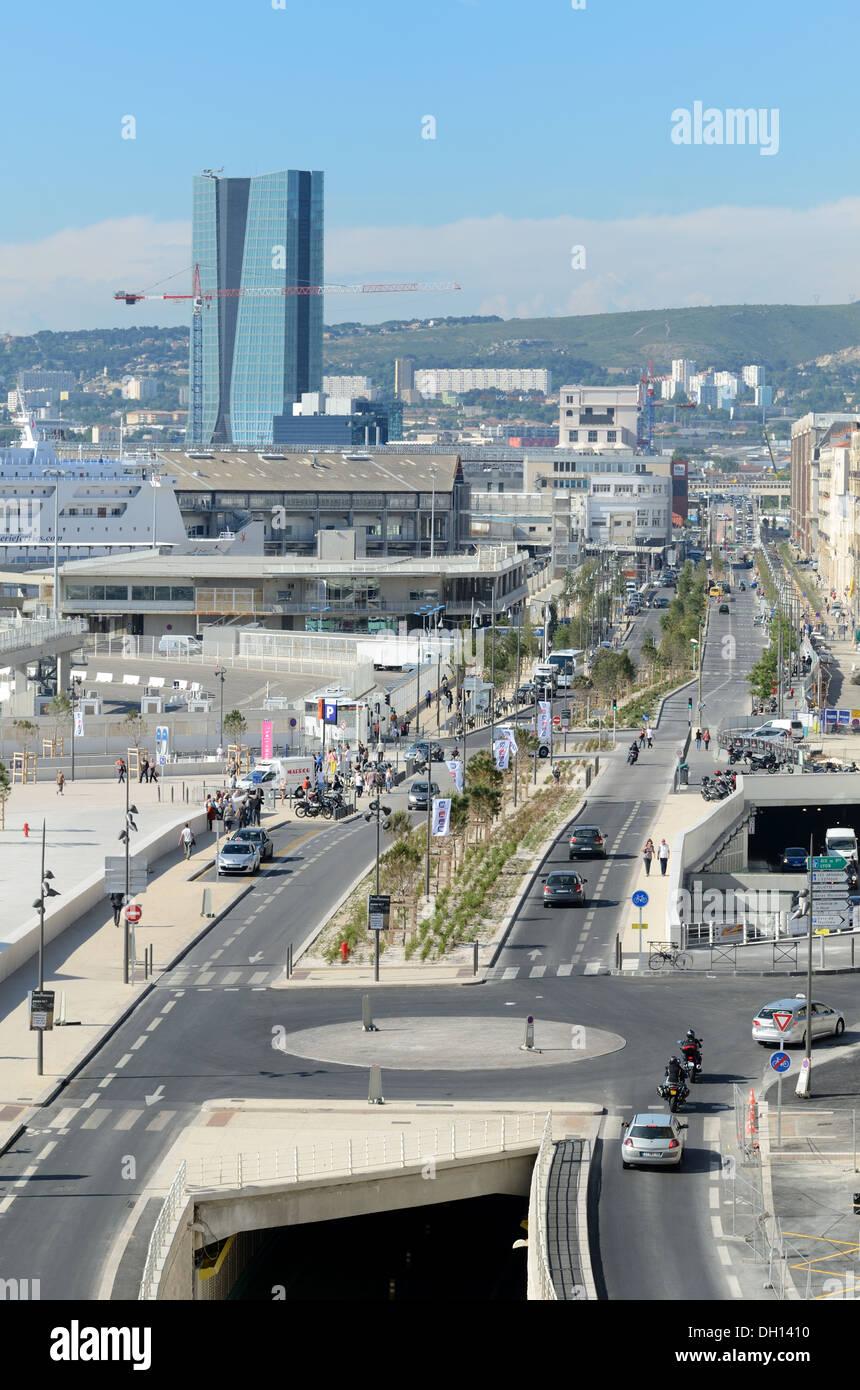 Bord de l'Autoroute ou Route Boulevard Du Littoral Docks Euromediterranée Marseille Provence France Photo Stock