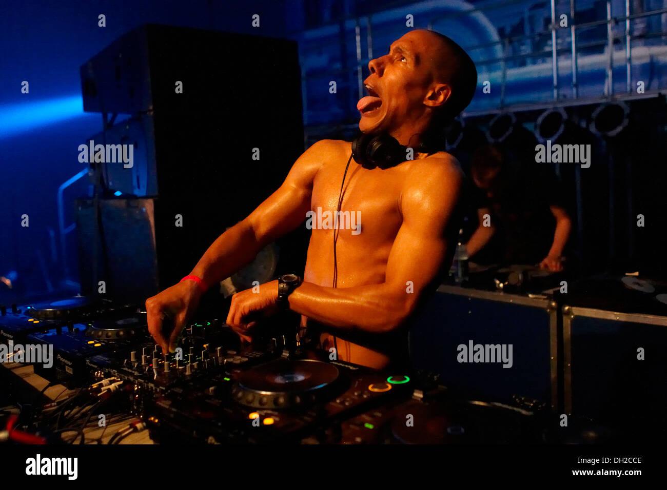 Showtek techno DJ, festival Mayday 2010 dans la salle de concert, Westfalenhalle Dortmund, Rhénanie du Nord-Westphalie Photo Stock