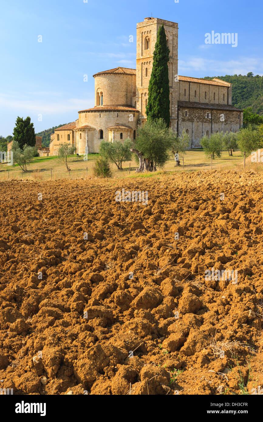 L'abbaye de Sant'Antimo est un ancien monastère bénédictin de la commune de Montalcino, Toscane, Italie centrale Photo Stock
