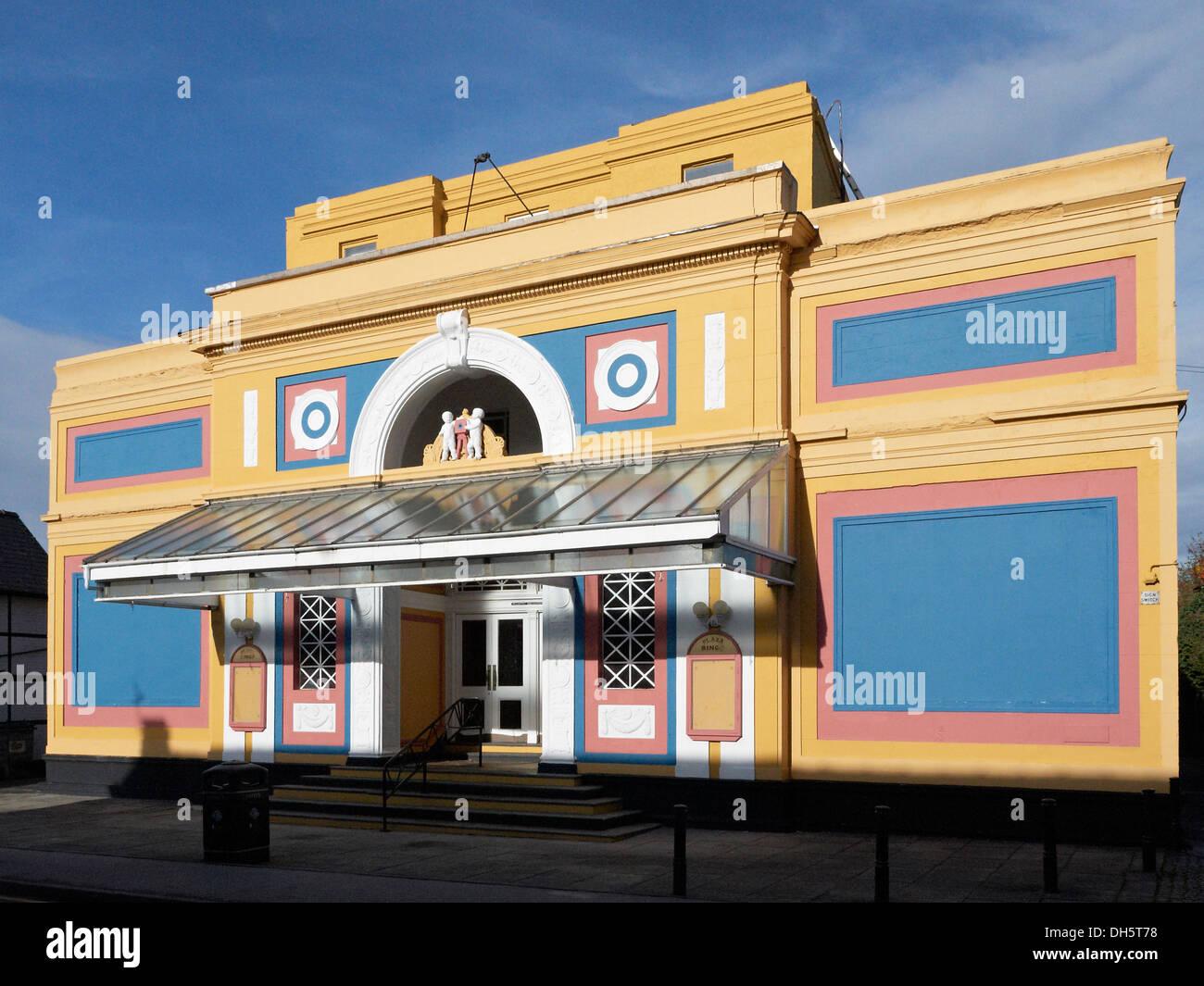 L'ancien cinéma classé grade II dans la rue Witton est devenu Plaza et bingo est également fermé, Northwich Cheshire UK Photo Stock