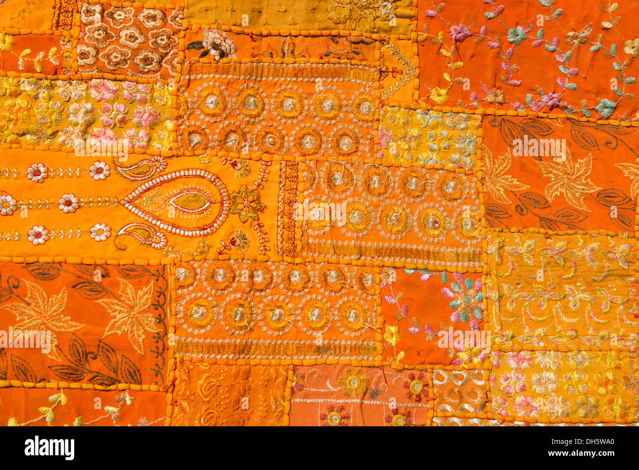 Tapisserie traditionnelle, broderie, couture patchwork, détail, Pushkar, Rajasthan, India Photo Stock