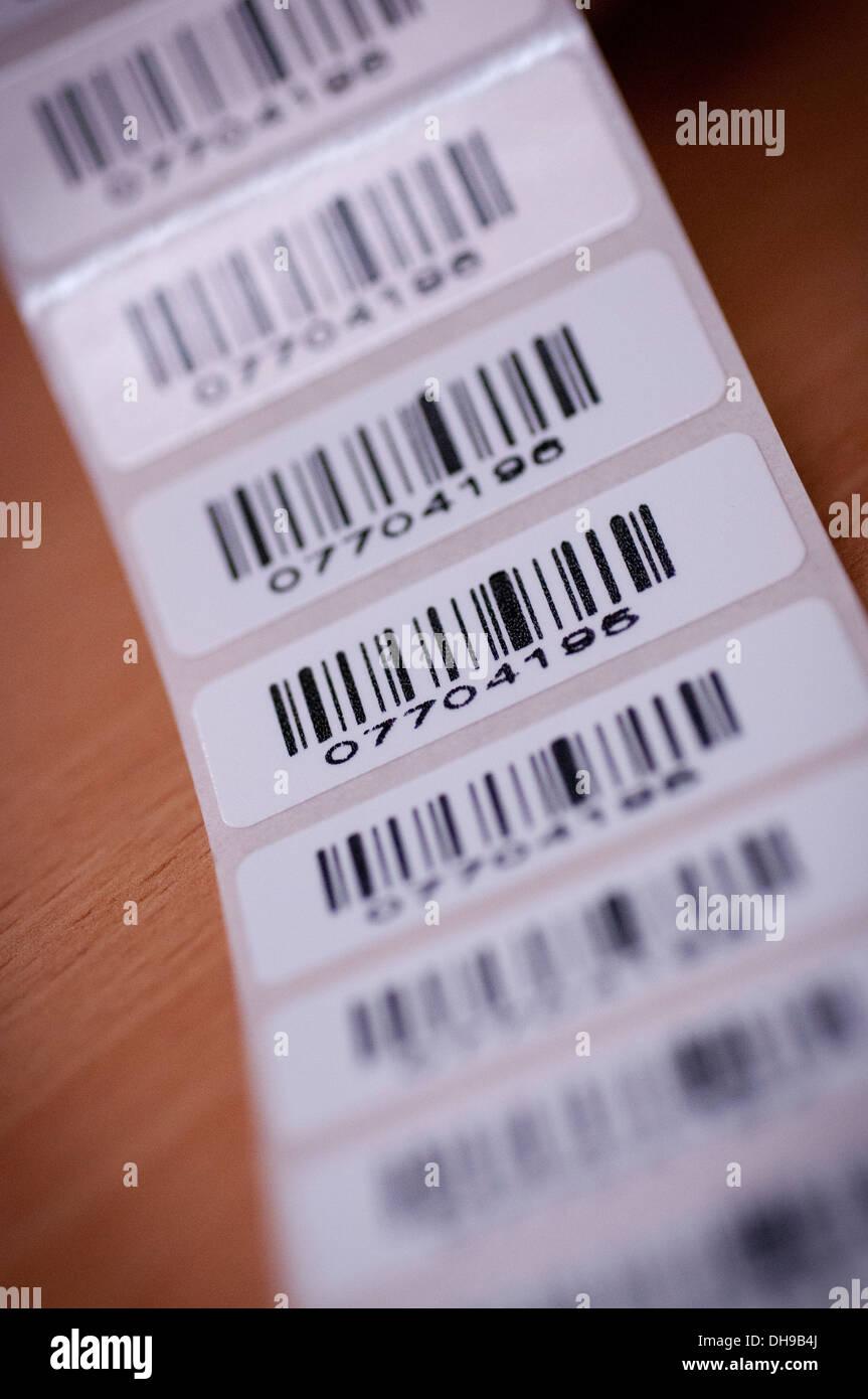 Un rouleau d'étiquettes codes barres Photo Stock