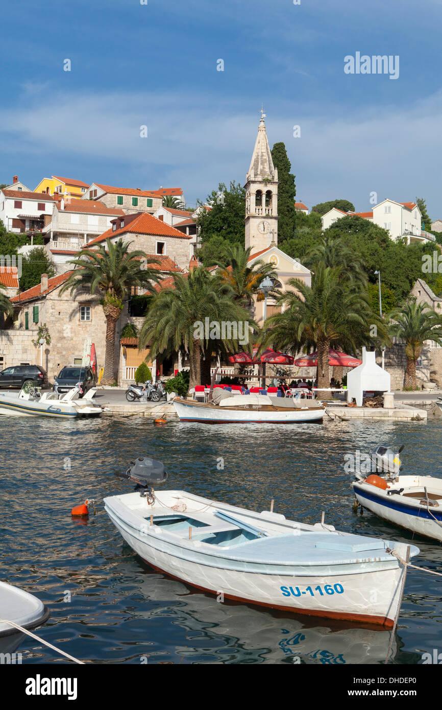 Splitska Harbour, île de Brac, la côte dalmate, en Croatie, en Europe Banque D'Images