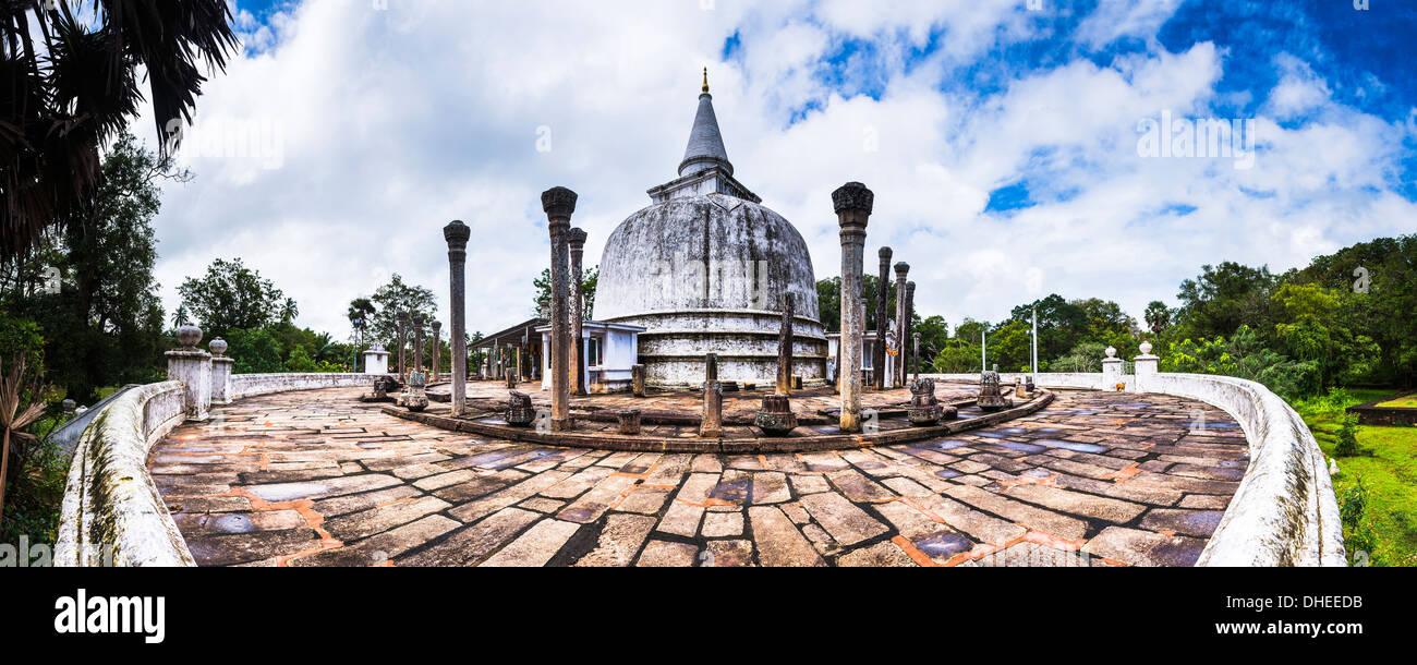 Dagoba Lankarama, Anuradhapura, UNESCO World Heritage Site, Sri Lanka, Asie Photo Stock