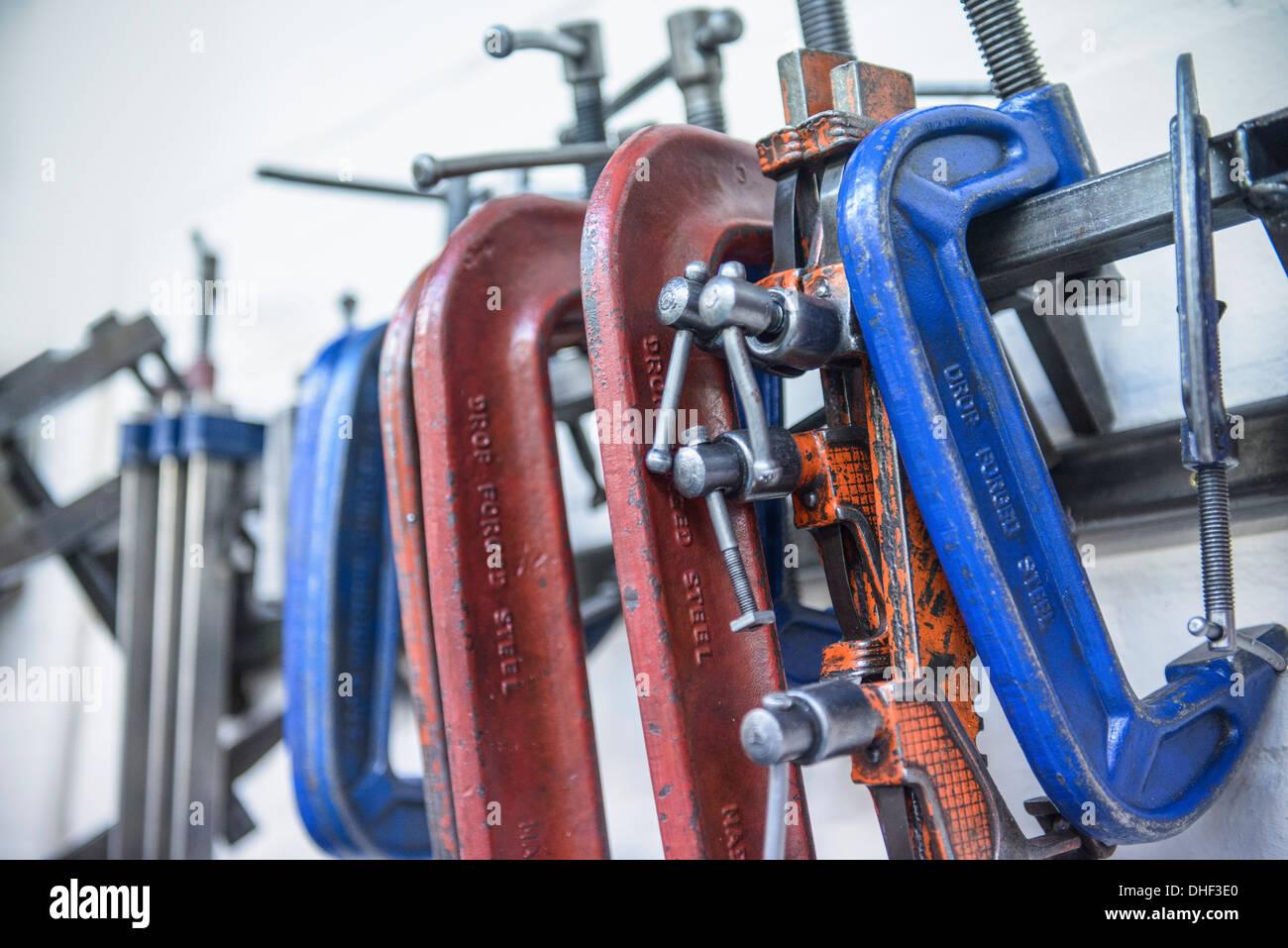 Assortiment de colliers en acier dans l'usine d'ingénierie Photo Stock