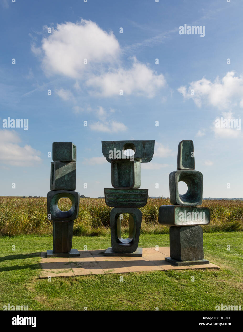 Barbara Hepworth, sculpture, art moderne, la famille de l'homme, au Snape Maltings dans Suffolk Photo Stock
