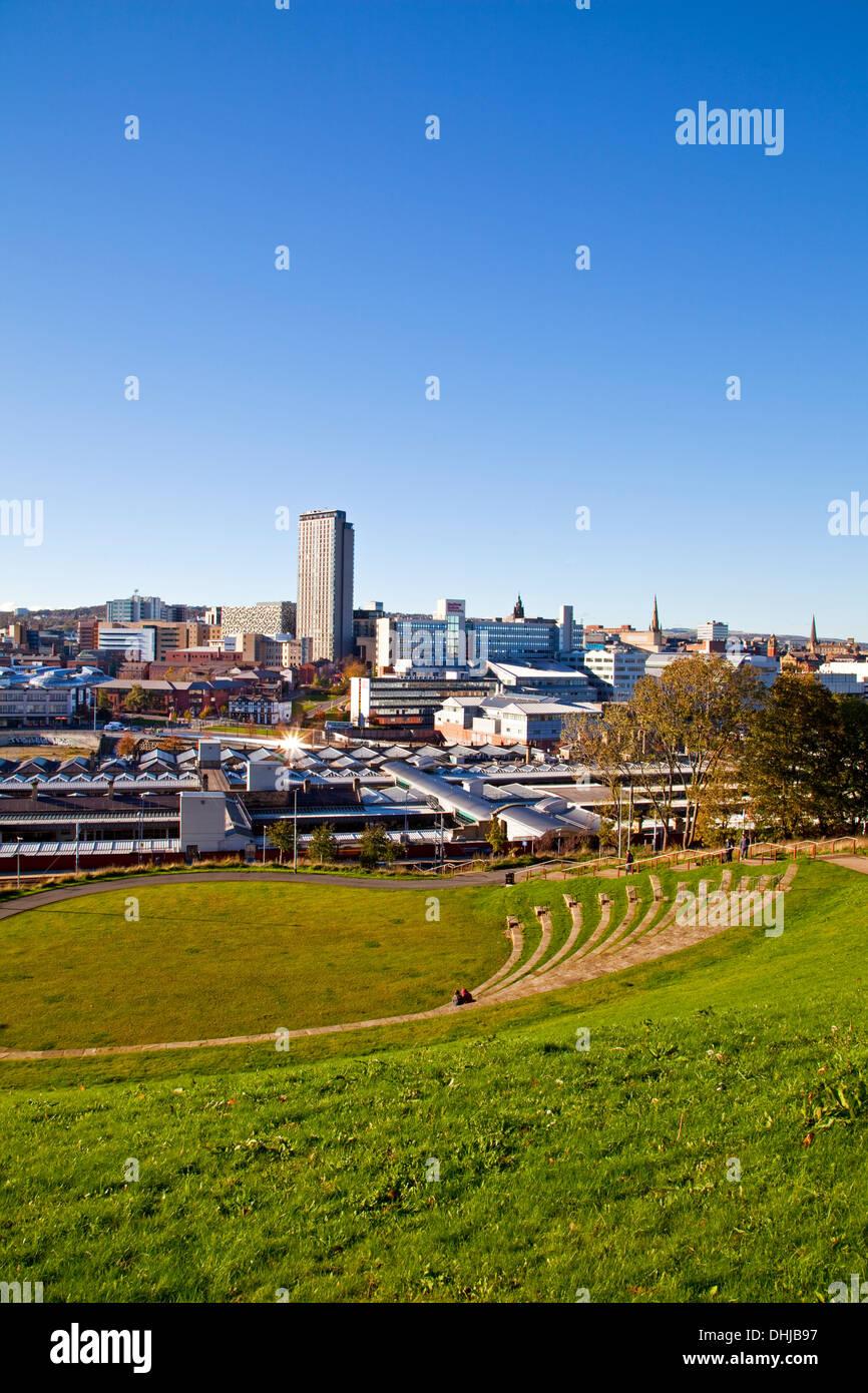 Le Sheffield skyline vue de Park Hill South Yorkshire, UK Banque D'Images