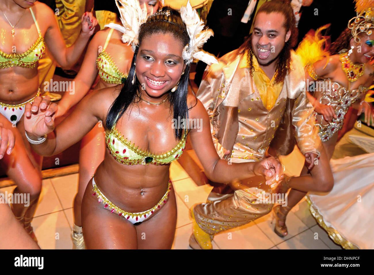 Brésil, Porto Alegre: 'groupe Samba Império da Zona Norte' au cours de show à l'événement l'hôtel Plaza Sao Rafael Photo Stock