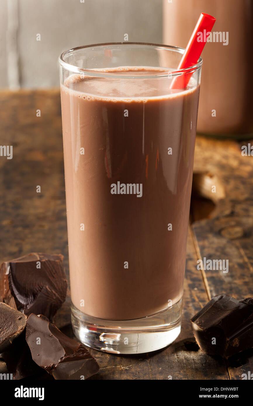 Délicieux Chocolat au lait rafraîchissant avec du vrai cacao Banque D'Images