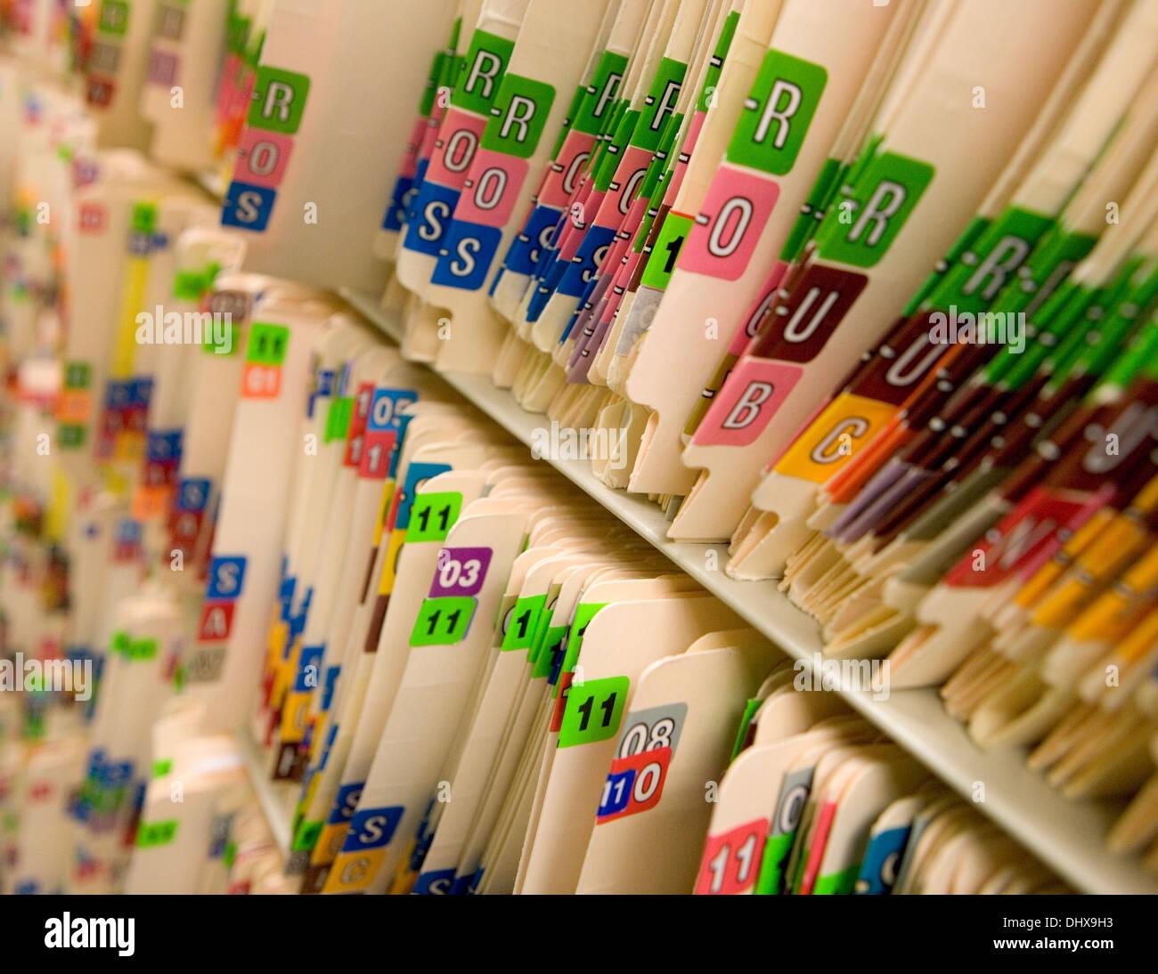 Les dossiers médicaux dans un cabinet de médecin Photo Stock