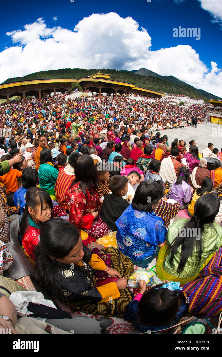 Le Bhoutan, Thimphu Dzong, Tsechu festival annuel, l'auditoire objectif grand angle fish eye view Photo Stock