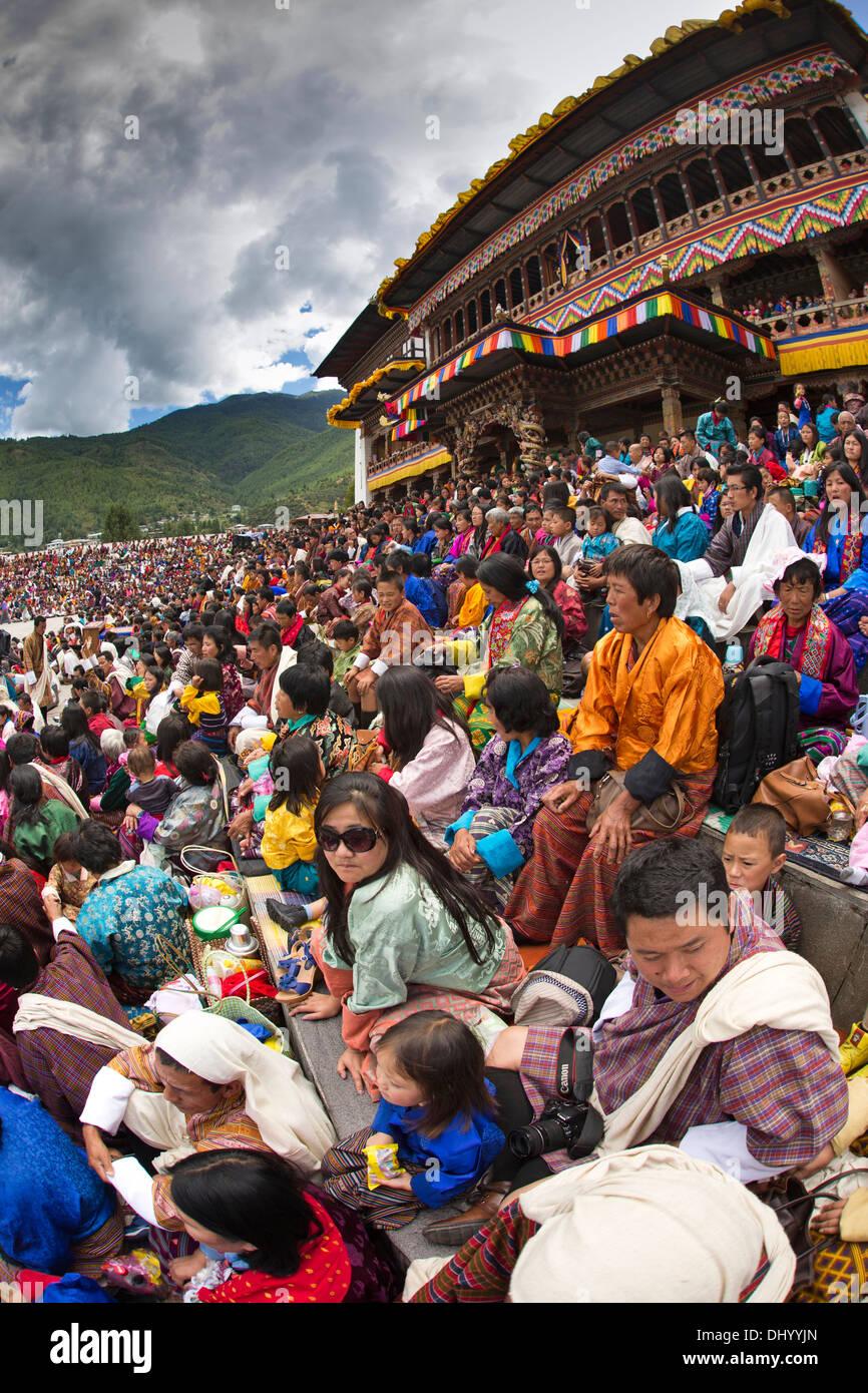 Le Bhoutan, Thimphu Dzong, Tsechu festival annuel, l'auditoire objectif grand angle fish eye view Photo Stock